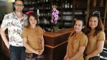 Pin Petch Thai front of house team